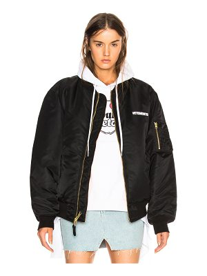 VETEMENTS x Alpha Industries Cropped Logo Bomber