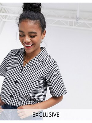 Wednesday's Girl crop shirt with revere collar in gingham-black