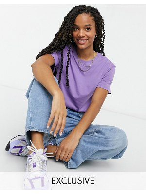 Weekday alanis organic cotton t-shirt with crew neck in purple