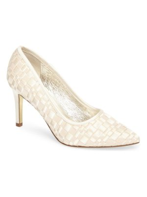 Adrianna Papell hasting pointy toe pump