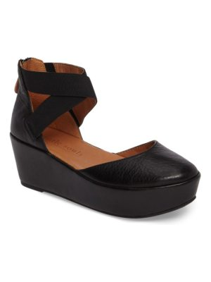 Gentle Souls by kenneth cole nyssa platform wedge