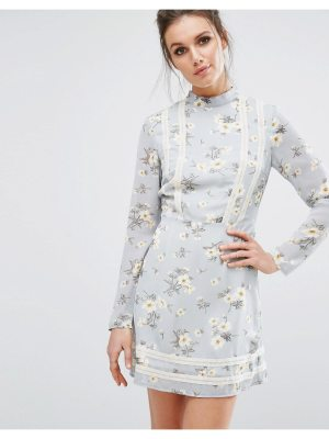 MISSGUIDED Floral Tea Dress