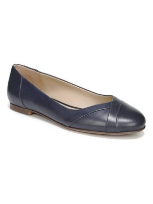 Naturalizer gilly flat