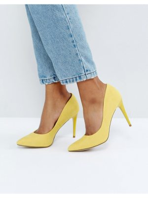 New Look Yellow Suedette Court Shoe