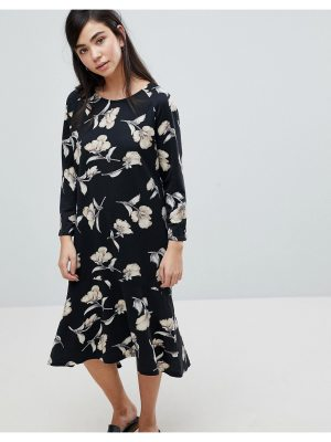 Soaked in Luxury Soaked In Luxury Floral Print Sweater Dress