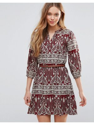 Yumi Belted Dress In Paisley Print