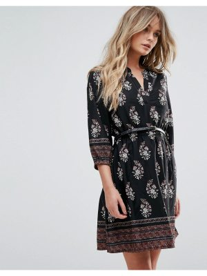 Yumi Belted Dress with 3/4 Sleeves in Border Print